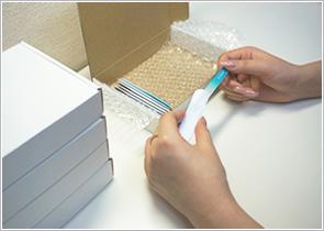 持ち運び、在庫管理を考えたガラス製爪やすり専用箱の様子